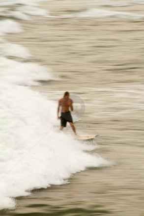 tpfau IMG 8301 Surfer Wave Australia