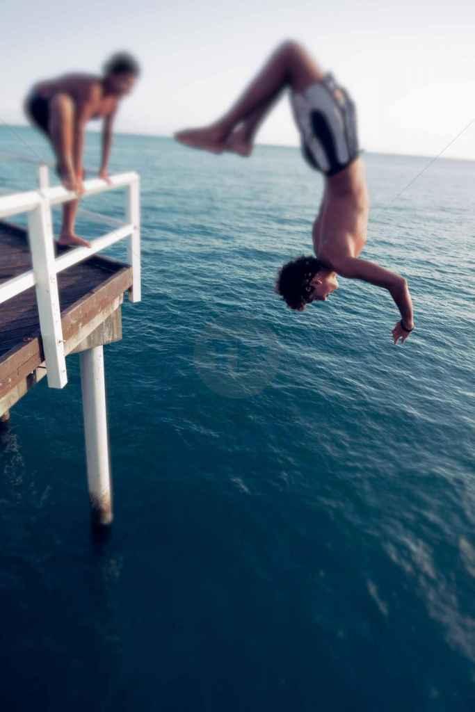 tpfau IMG 8383 n2 series Jump in in the ocean