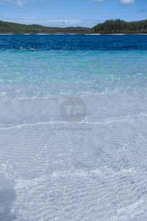tpfau IMG 9027 fraser Island blue water Lake McKenzie