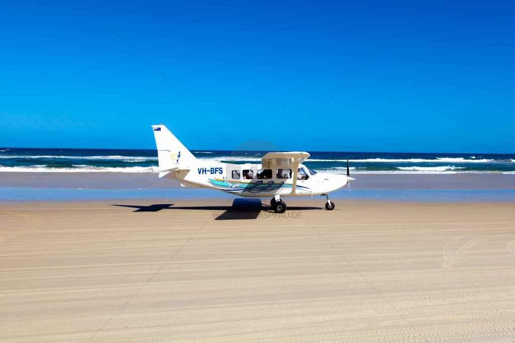 tpfau IMG 9699 Fraser Island Airplane