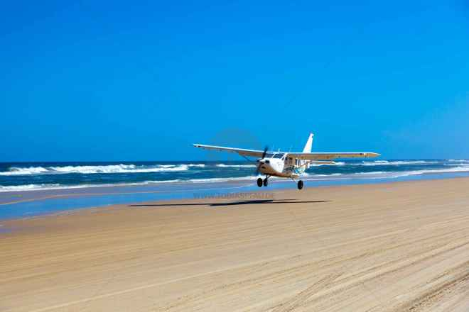 tpfau IMG 9703 Fraser Island Flugzeug