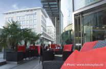 Stuttgart Banco Bar mit Blick zur Deutschen Bank