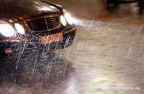 Autofahrt bei Unwetter – aquaplaning