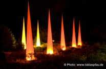 rote Leucht säulen