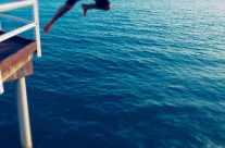 serie – sprung ins Meer