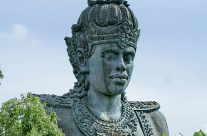 Tempelstatue in Bali (Tourismus)